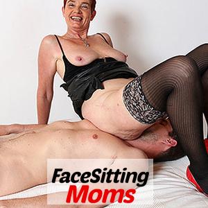 'Visit 'Facesitting Moms''
