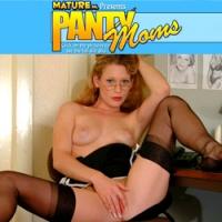 'Visit 'Panty Moms''