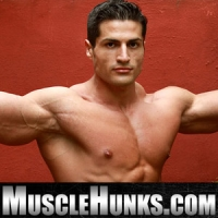 Visit Muscle Hunks