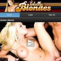 Join Totally Blondes Mobile