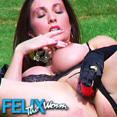 'Visit 'Felix The Worm''