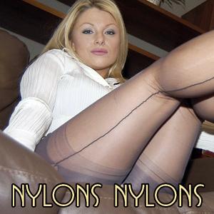 'Visit 'Nylons Nylons''