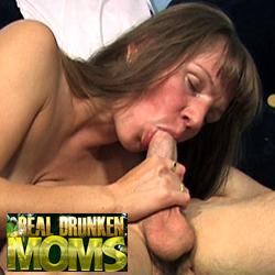 'Visit 'Real Drunken Moms''