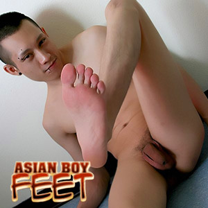 'Visit 'Asian Boy Feet''