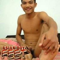 'Visit 'Asian Boy Feet''