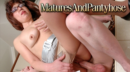 'Visit 'Matures and Pantyhose''