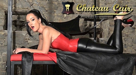 'Visit 'Chateau Cuir''