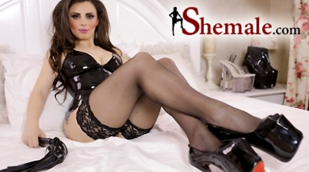 'Visit 'Shemale.com''