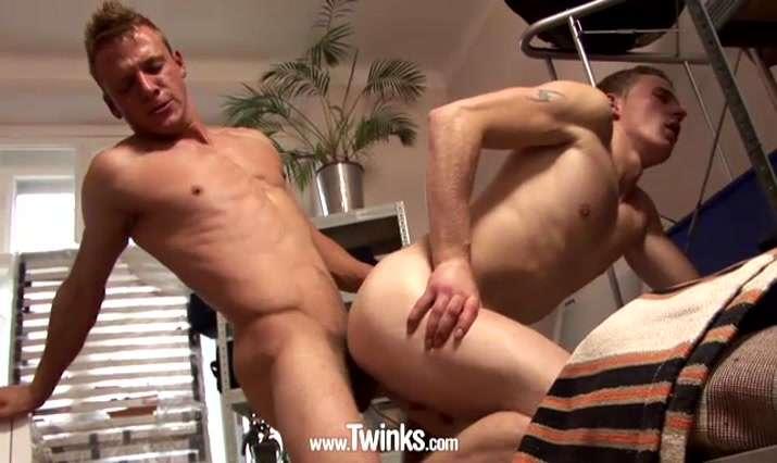 Twinks Video