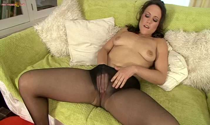 Pantyhosed 4 U Video