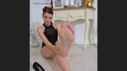 Preview #4 for 'E Feet'