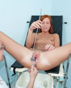 redhead getting slit checked