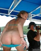 showing her hot ass